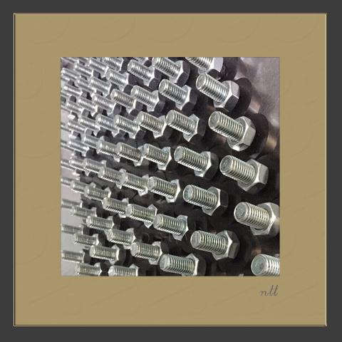 Anti-vibration rubber sole